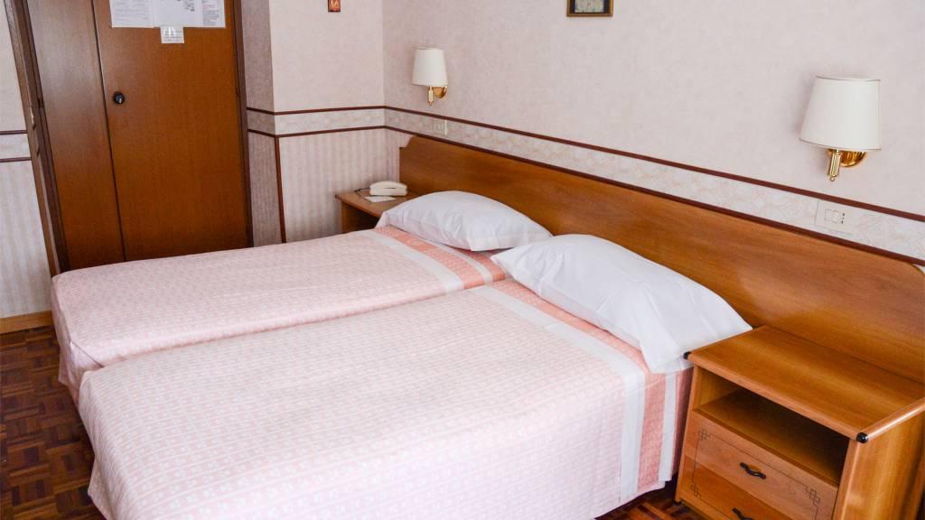 room-hotel-terminus-fiuggi-6680