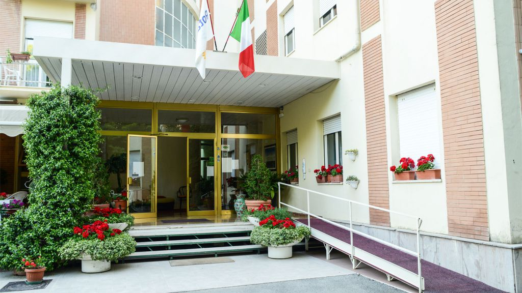 entrance-hotel-terminus-fiuggi-9484